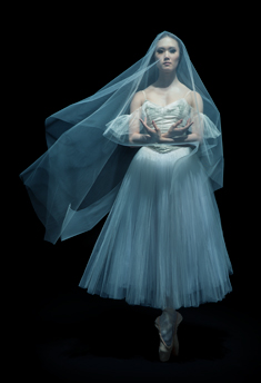 Alberta-Ballet-Company-Artist-Mariko-Kondo,-Photo-by-Paul-McGrath-APP-2